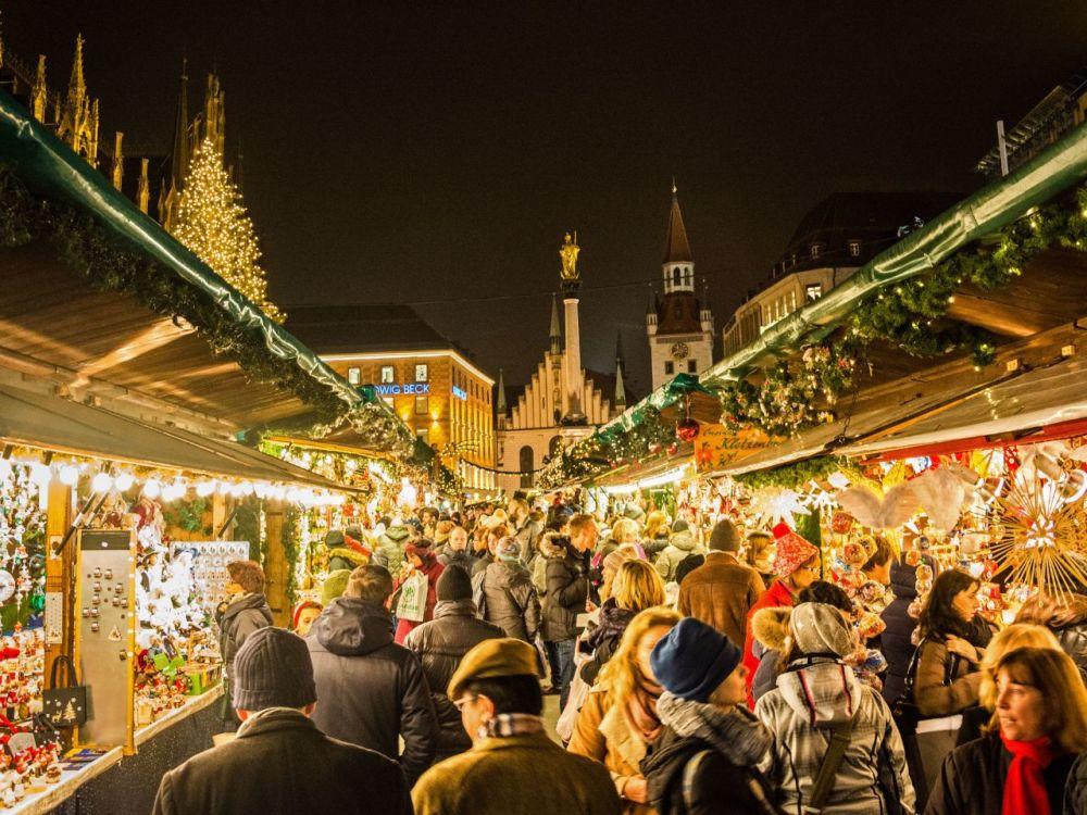 Mercado de Navidad Christkindlmarkt en la Marienplatz
